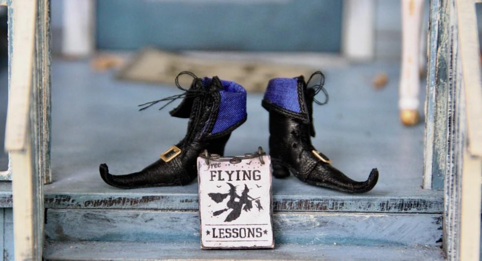 FlyingLessons.Halloween
