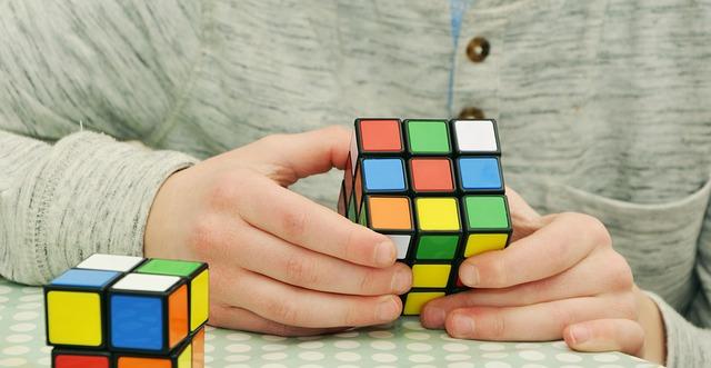 magic-cube-1976725 640
