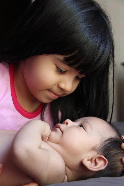 sister-764670 640