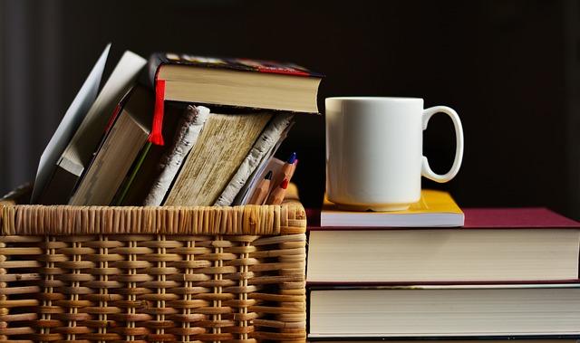 books-2412490 640