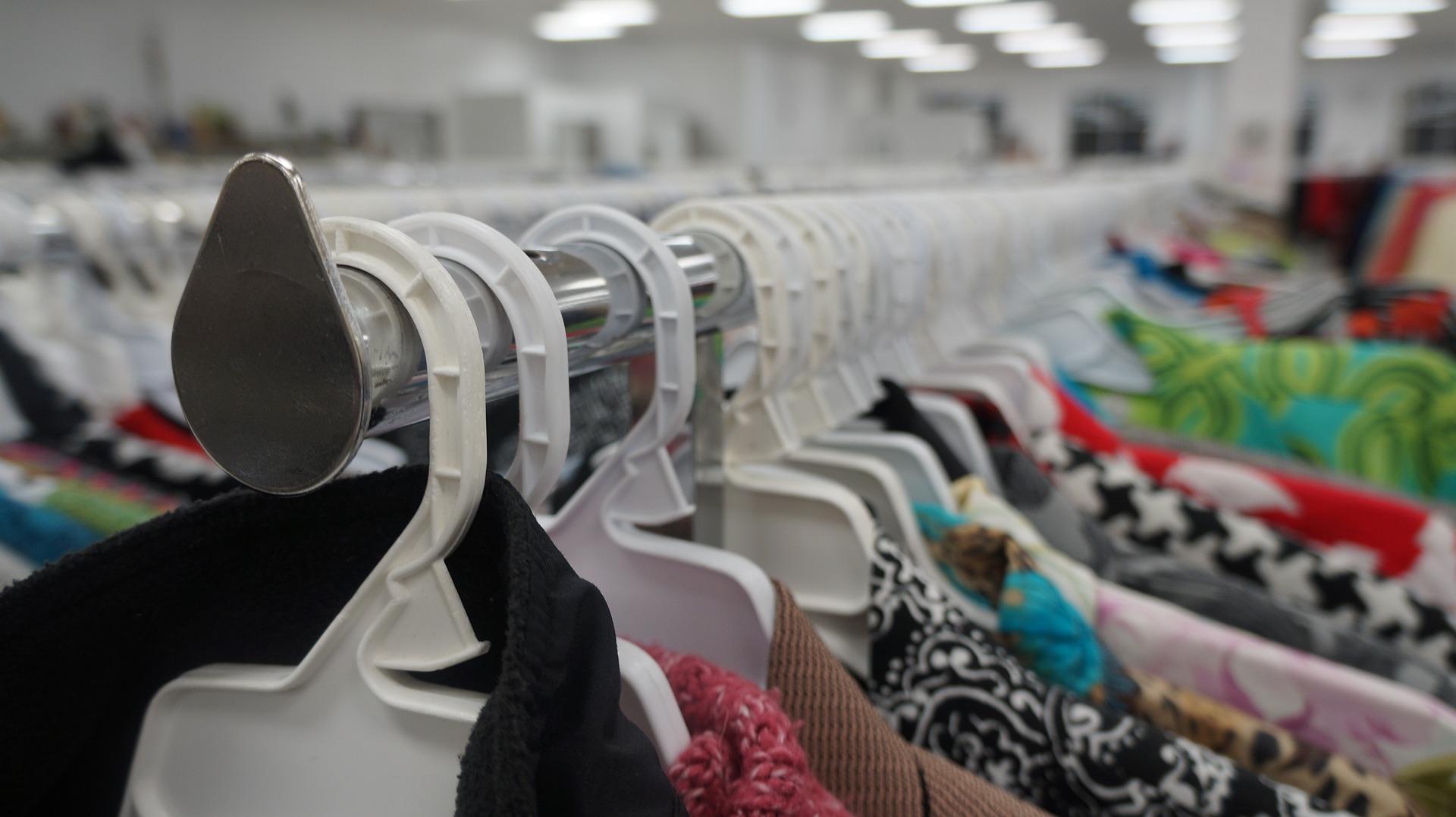 clothing-3739798 1920
