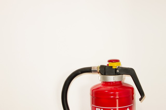fire-extinguisher-502891 640