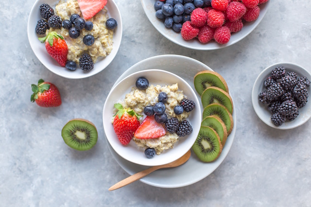 food-oatmeal-fruit