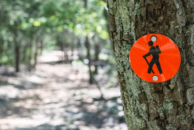 hiking-sign