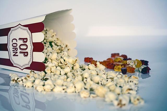 popcorn-1433327 640