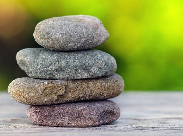 stones-937659 640