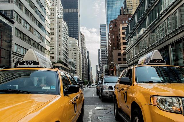 taxi-cab-381233 640