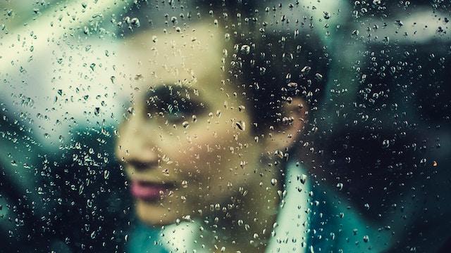 woman-rain-14411